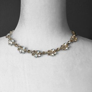 Necklace Three Petal Shimmer Faceted Silver